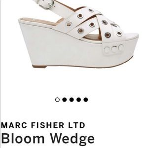 Marc Fisher LTD Bloom Wedge New size 7 Ivory